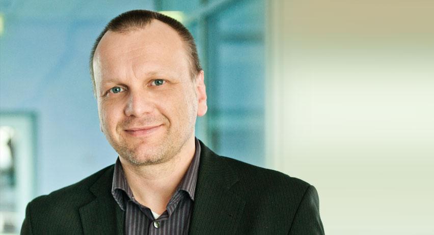 Dipl.-Physiker Steffen Arnold, Leiter Markt und Produkte bei der Physik Instrumente GmbH (PI) in Karlsruhe
