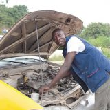 Ein zinsloser Start-up Kredits, ermöglichte Patrick 2012 die Gründung eines eigenen Unternehmens. Zusammen mit einigen Freunden repariert er vor allem deutsche und japanische Fahrzeuge.